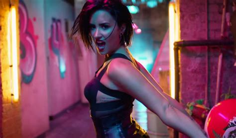 demi lovato cool for the summer bbc radio 1 live lounge 2015 demi lovato gets hot in her cool for the summer music video