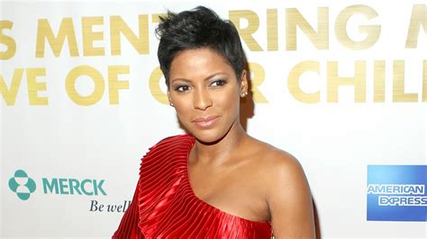 tamron hall plays dating game on meredith today tamron hall s next move could be into the seat next to