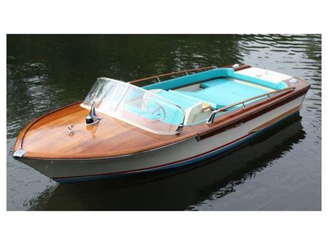 riva yacht open bateau riva yacht junior inautia fr inautia