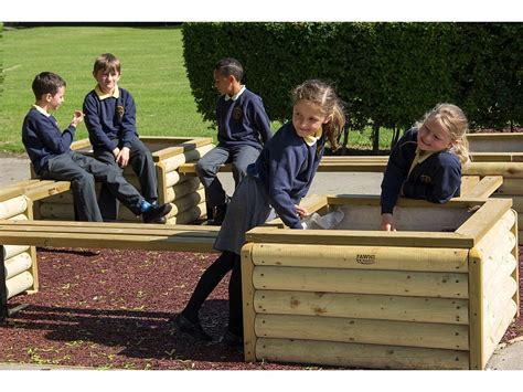 log planter box h55cm fawns playground equipment