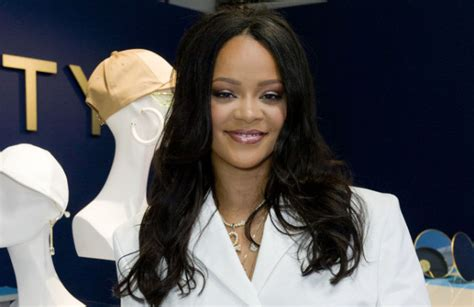 rihanna s 600m net worth makes the world s richest musician according to forbes