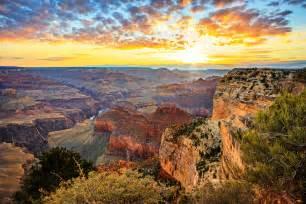 Bright Landscape Lights - must see us national parks studentuniverse blog