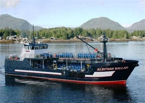 biggest boat in the world tour 44 best deadliest catch addicted to this show images on