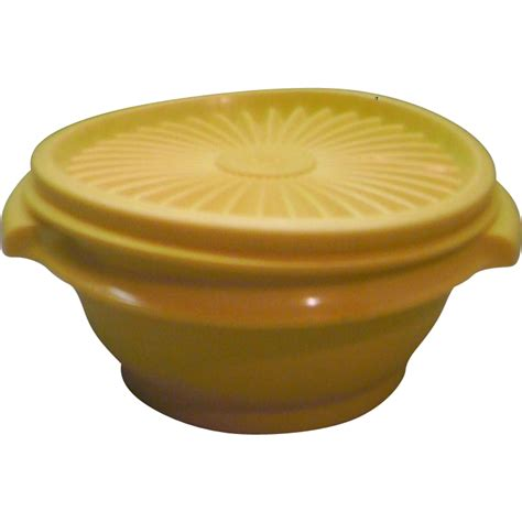 Tupperware Small Bowl Yellow Green tupperware 1323 servalier yellow small bowl with lid sold