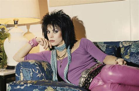 joan jett haircut is called then now your favorite 80s female pop stars