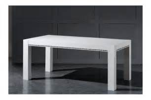 Attrayant Table Haute Avec Tabouret #2: table-de-repas-design-laquee-blanche-haute-brillance-avec-cristaux-collection-roma.jpg