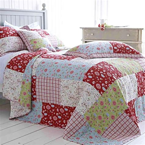 Green Patchwork Quilt - blue green floral patchwork quilt bedspread cotton