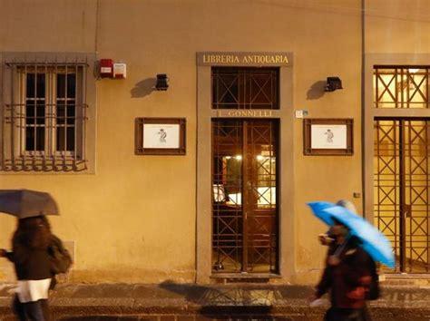 libreria antiquaria firenze firenze trasloca la libreria antiquaria per lasciare