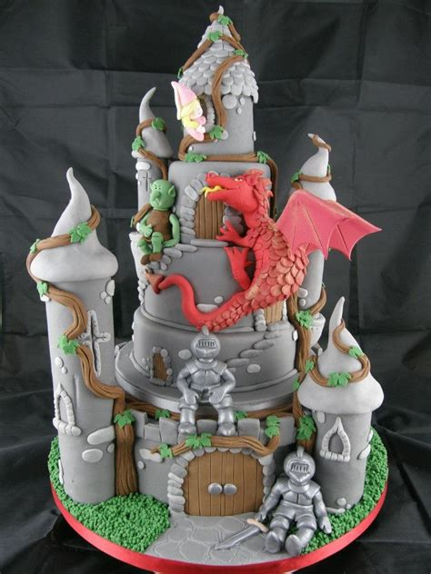 Dragon on the cake, make prettier   Tårtor cartoon   Pinterest