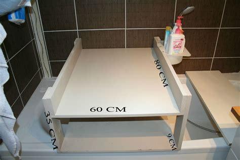 table a langer sur baignoire fabriquer table a langer sur baignoire table de lit