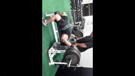 louie simmons bench press 555 lbs bench press w new louie simmons 55 lbs b youtube