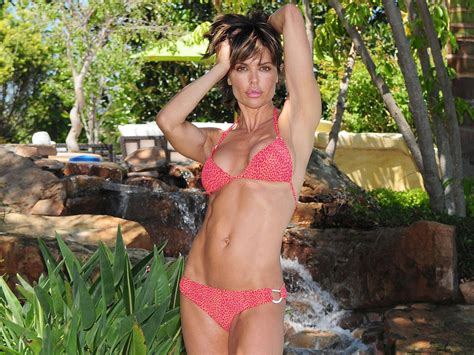 lisa rinna looks anorexic is lisa rinna anorexic newhairstylesformen2014 com