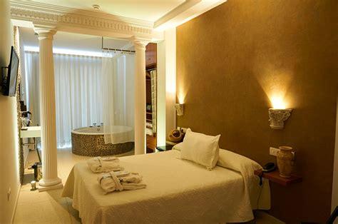 hoteles con jacuzzi en la habitacion en valencia un hotel en valencia con jacuzzi vive la experiencia gabbeach