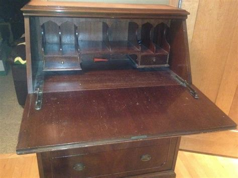rockford desk company give winthrop style how is this