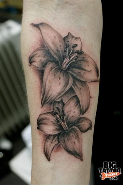 black and grey lily tattoo black and grey lily tattoo my next possible tattoos