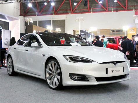 Model Mobil by Duet Tesla Model S P100d Dan Koenigsegg Ccx Ramaikan Iims