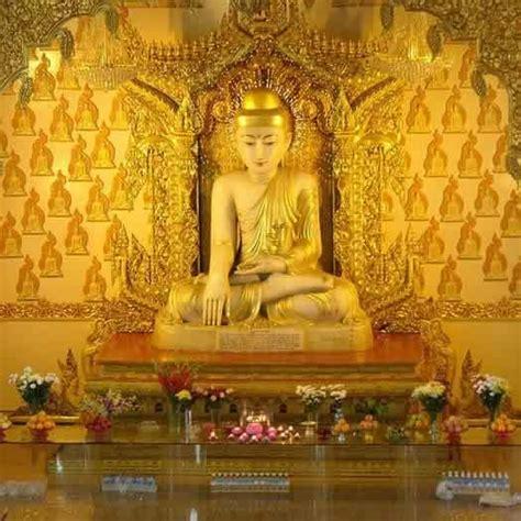 singapores burmese buddhist temple   famous buddha