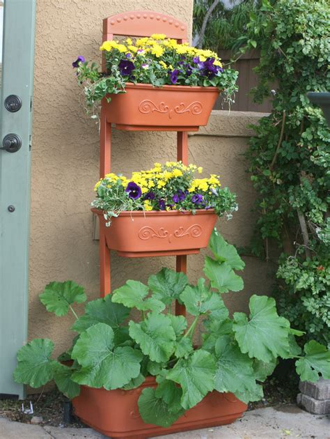 organic gardening magazine features  monkeypots perfect