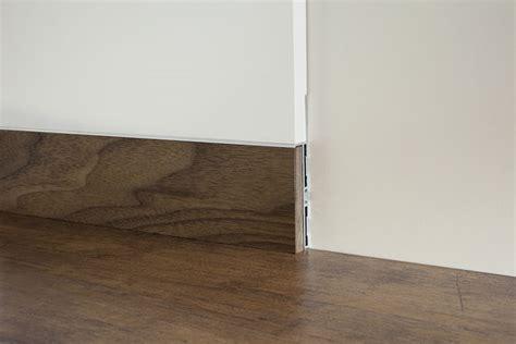 Pavimento Senza Battiscopa by Metal Line Il Battiscopa Contemporaneo Design Therapy