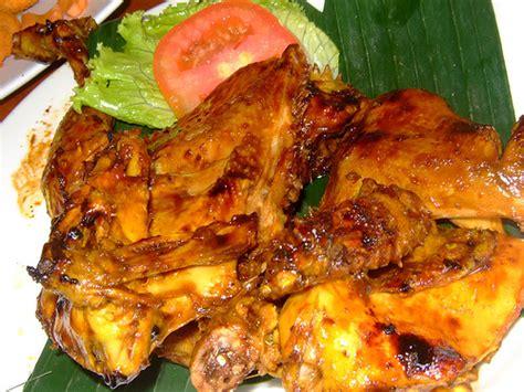 Ayam Bakar Khas Padang lezatnya ayam bakar bumbu padang rm tisya panduan wisata medan