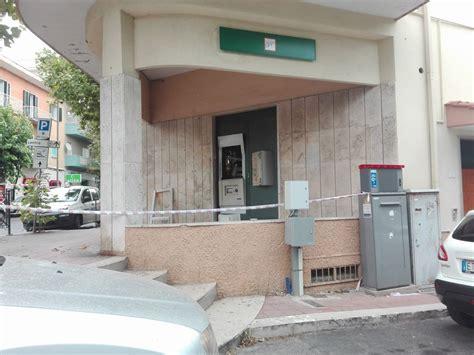 banca intesa ostia santa marinella il bancomat esploso dall interno terzo