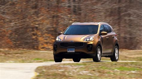 Consumer Reports Kia Sportage 2017 Kia Sportage Turns Heads Among Small Suv Shoppers