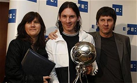 biography of rodrigo messi lionel messi pictures 2011 lionel messi girlfriend