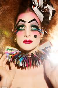 Become A Makeup Artist Online Monique Jenkinson Uses Her Femininity To Upset The Gender Status Quo Daily Mail Online