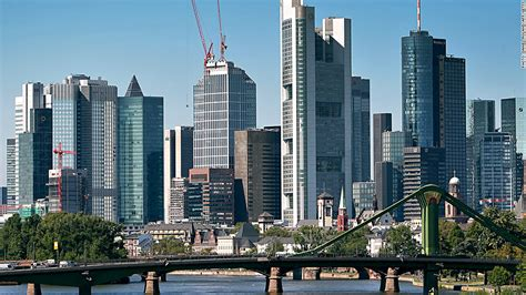 bank in frankfurt europe nears landmark banking reform deal dec 18 2013