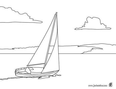 dessin d un bateau à voile coloriages coloriage d un voilier en mer fr hellokids