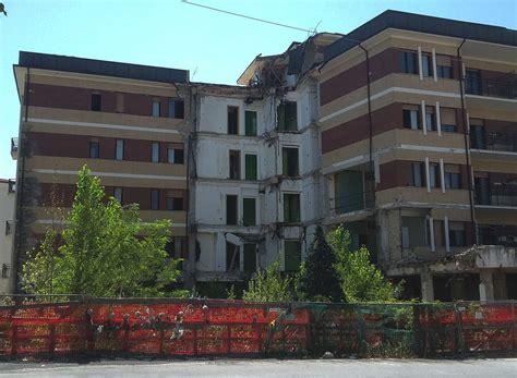 casa dello studente via alla demolizione della casa dello studente rimossi i