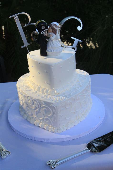 Heart shape wedding cake   Wedding in 2019   Heart shaped
