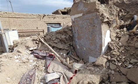 earthquake iran m 5 8 earthquake in iran claims lives and collapses