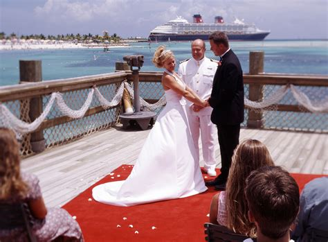 Cruise And Vows by Cruise Pictures