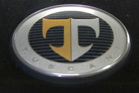 T Shaped Auto Logo by Logo Di Auto Strano Visto Da Mia Madre E Mia Sorella