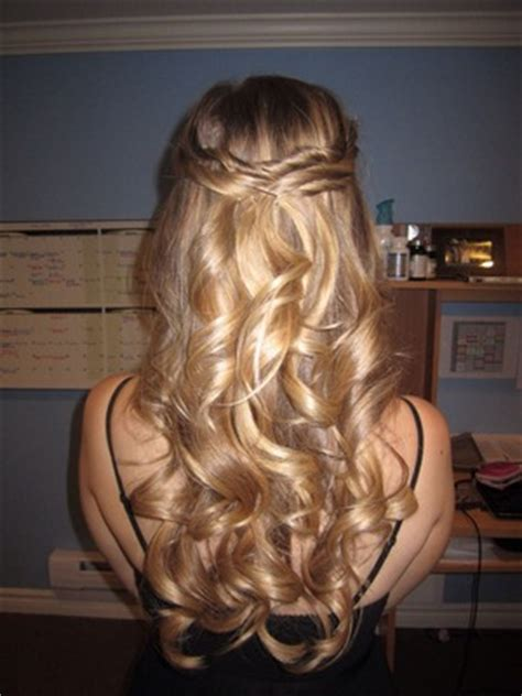 cute hairstyles for curly hair yahoo answers cute hairstyle for 8th grade graduation yahoo answers