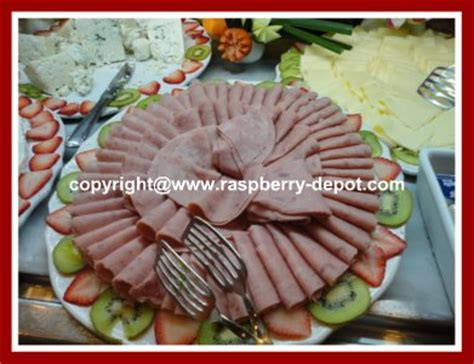 How To Decorate Cheese Platter by Easy Garnishing With Fruit Ideas For Decorating Fruit