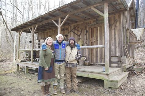 Remote Cabin Living by Who Fled Tennessee Suburbs To Live In A Cabin In The Appalachian Mountains Daily Mail