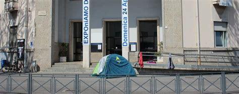 comune di tenda dalmine comune offre albergo a sfrattato lui torna in
