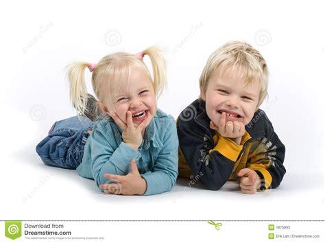 imagenes comicas para un hermano hermano y hermana tontos imagen de archivo imagen de
