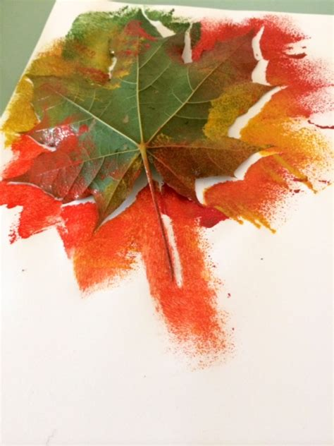 paint crafts for autumn leaf painting