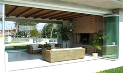 verande a scomparsa chiusure di verande terrazzi balconi gazebo giardini d