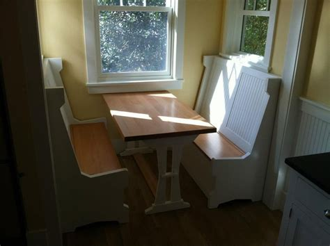custom  breakfast nook  puddle town woodworking