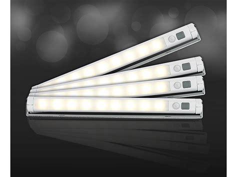 schrankbeleuchtung mit fernbedienung lunartec led lichtleiste mit bewegungsmelder warmwei 223