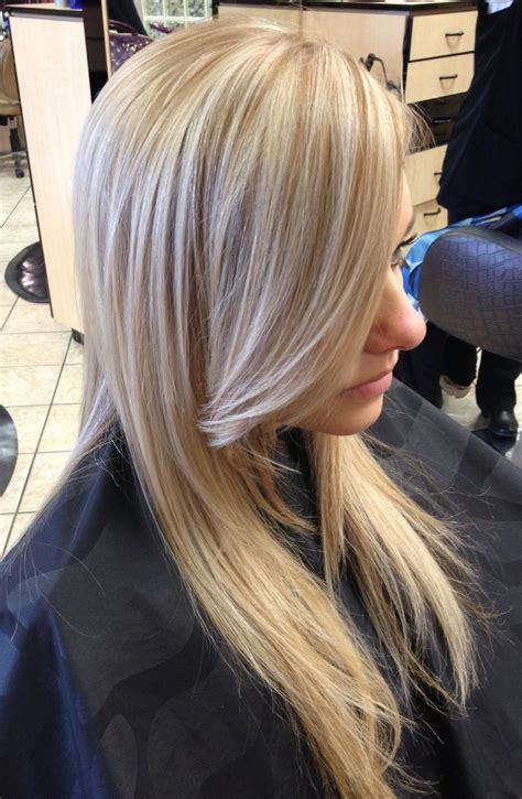 lowlight placement in bleached blond hair blonde hair with lowlights hairstyle tips