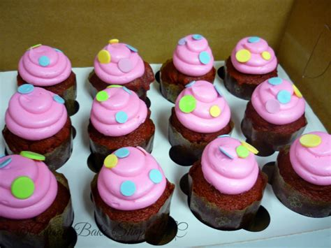 colored frosting specialty cupcakes customized cupcakes for weddings