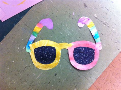 summer craft projects for preschoolers summer sunglasses craft with black glitter lenses for