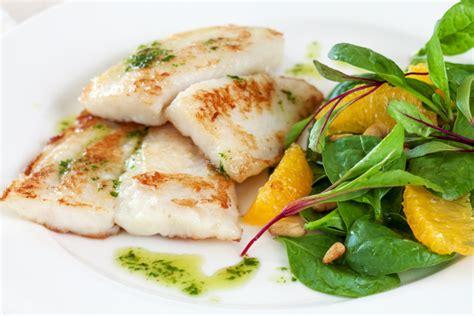 cucinare il pesce surgelato filetti di pesce al vapore ricetta di pesce light e saporita