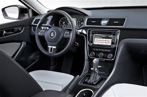 Passat Interior by 2014 Volkswagen Passat Sport Interior 02 Photo 7