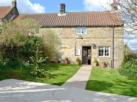Cottages In Whitby cottage in whitby selfcatering travel